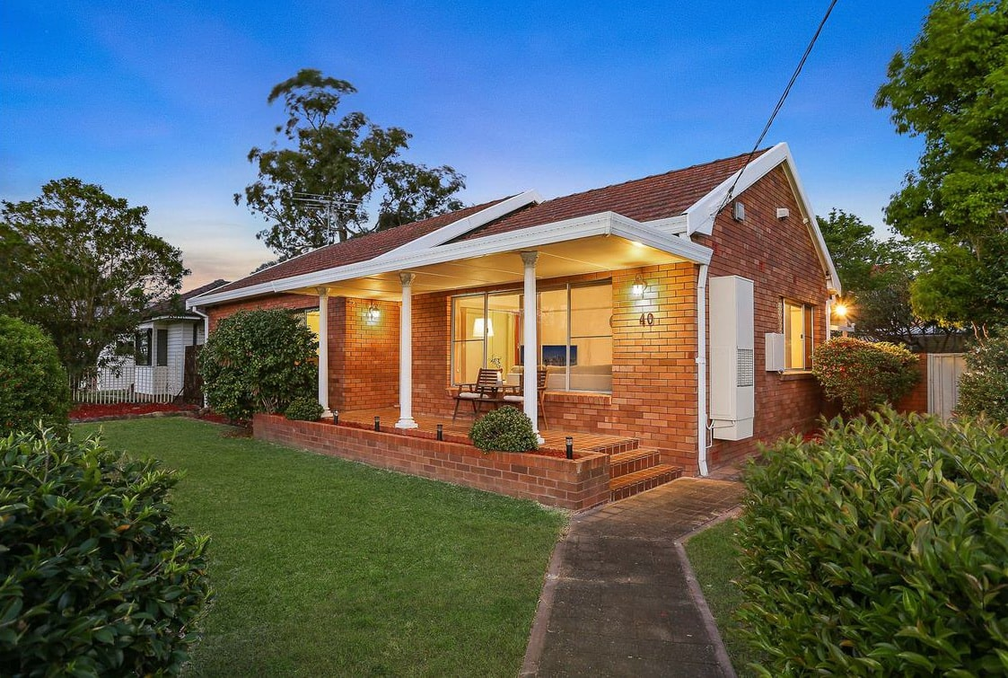 Guidelines for building a red brick house