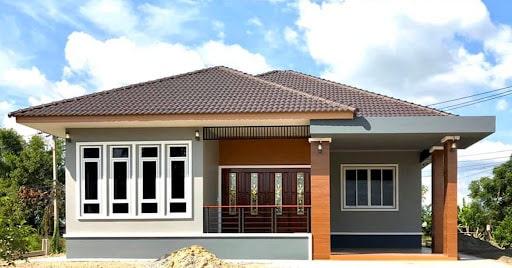 The idea of a single-storey hipped house